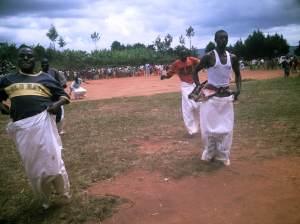 Course dans les sacs, un numero de la journée socio-culturelle