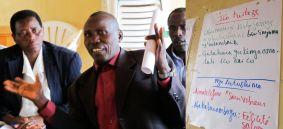 Pendant une formation sur la Justice Transitionelle du Bureau Bujumbura, des personnes réconciliés et quelques administratifs à la base ont fait connâitre leurs attentes, inquiétudes et espoirs. Et, comme ils l'ont exigé dans leurs attentes envers l'atelier, ils aimeraient avoir plus de connaissances sur la Justice Transitionnelle et savoir comment prévenir de nouveaux conflits y relatif.