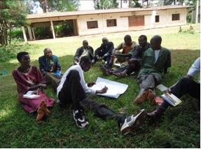Les membres des trois comités d'une association « GIRUMWETE »  à une formation qui gère le grenier communautaire de la colline KIBIMBA en commune Mabanda.