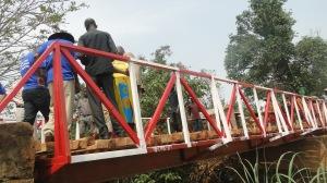 Un pont reliant deux villages réhabilité par MIPAREC