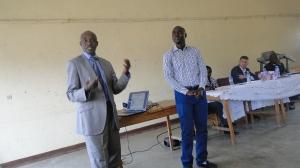 Le Consultant BERAHINO Charles présente les résultats de l' étude de base du projet