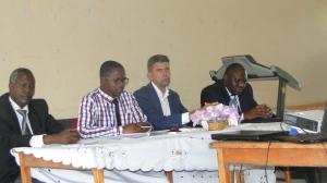 Les représentant de la Province et de la Commune, Chef de Mission de ZOA et le Représentant Légal du MIPAREC lors du lancement officiel du projet Komite y' AMAHORO à Rumonge